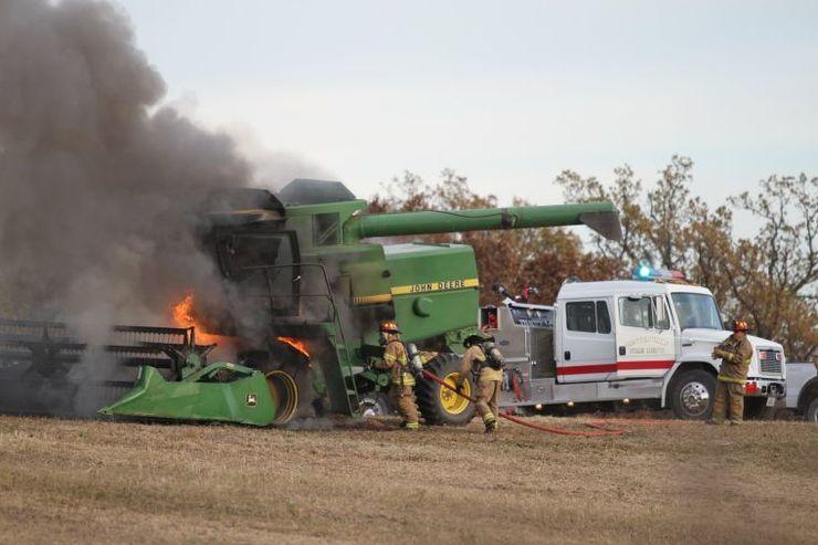 Incêndios em colheitadeiras e os extintores automáticos