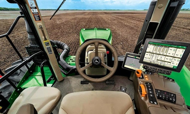 Agricultores americanos estão brigando com a John Deere, pelo direito de dar manutenção nos próprios equipamentos