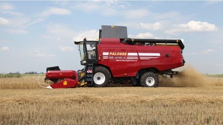 Palesse GS4118K, uma colheitadeira movida a gás natural