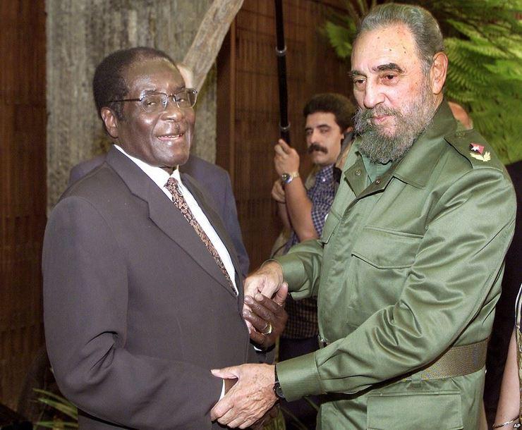 Ditador africano do Zimbábue está expulsando brancos de suas terras e torturando negros no processo